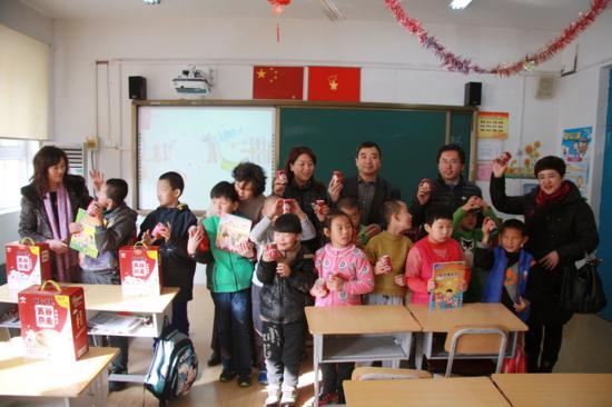 """""""旺旺""""情系残疾儿童新年送祝福献爱心活动在济南举行"""